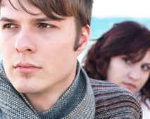 10 Signs That You and Your Lover are Drifting Away